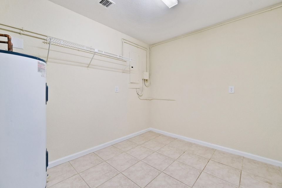 4901 Coconut Boulevard Royal Palm Beach, FL 33411 photo 10