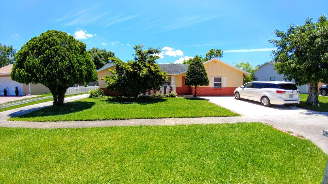 121 Raven Court Royal Palm Beach, FL 33411 small photo 1