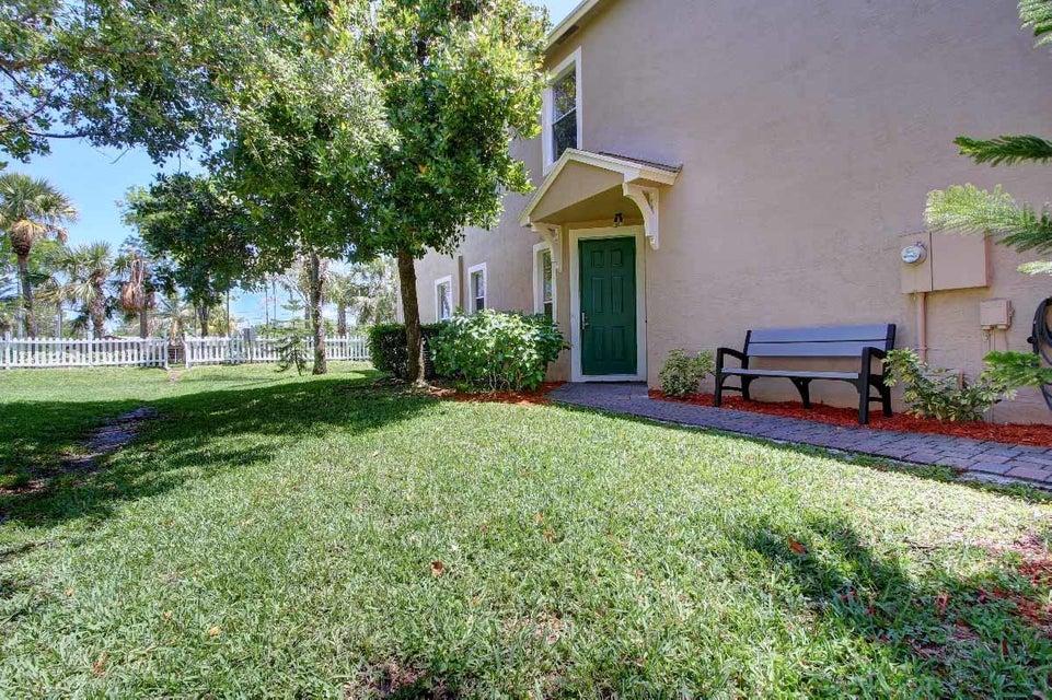 5150 White Oleander  West Palm Beach, FL 33415