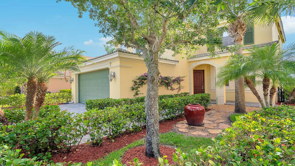 2715 Pienza Circle  Royal Palm Beach, FL 33411