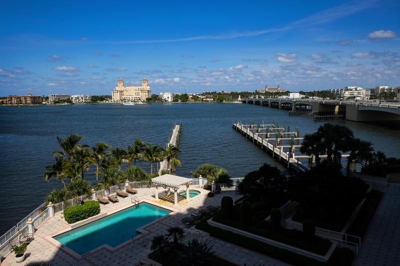 622 N Flagler Drive 402, West Palm Beach FL 33401 is listed for sale as MLS Listing RX-10430753 photo #13