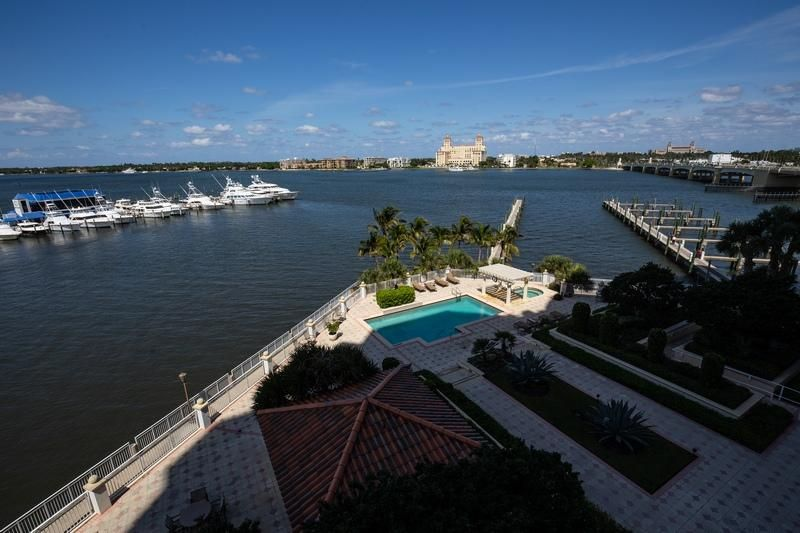 622 N Flagler Drive 402, West Palm Beach FL 33401 is listed for sale as MLS Listing RX-10430753 photo #23