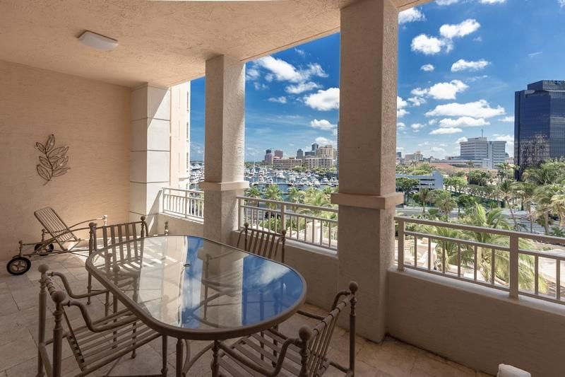 622 N Flagler Drive 402, West Palm Beach FL 33401 is listed for sale as MLS Listing RX-10430753 photo #4