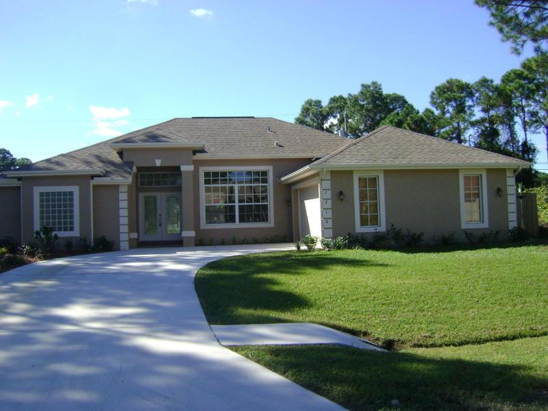 1718 SW Penrose Avenue  Port Saint Lucie FL 34953