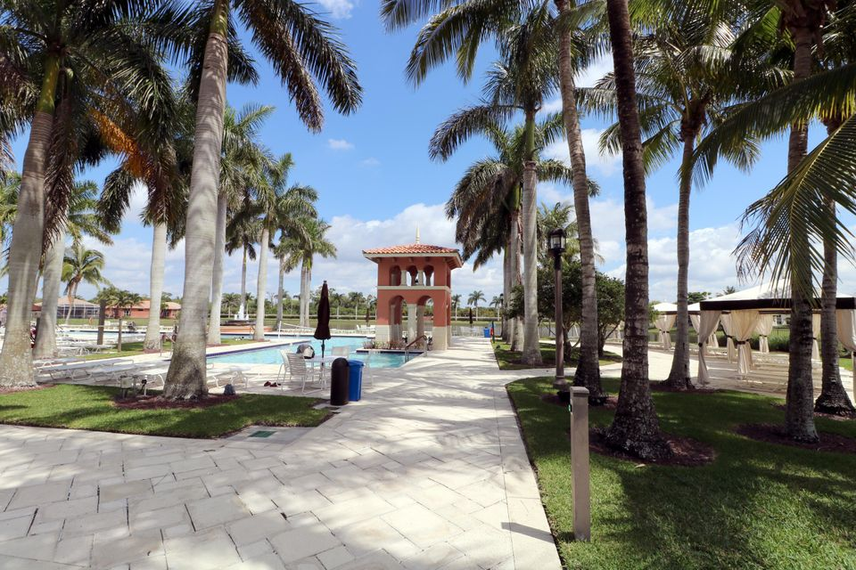 9288 Via Elegante Wellington, FL 33411 photo 5