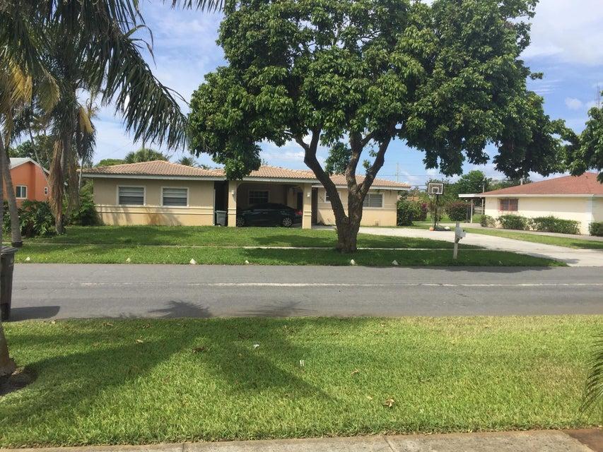 1453 SW 40th Street  West Palm Beach FL 33407