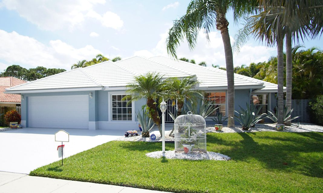 12956 Calais Circle , Palm Beach Gardens FL 33410 is listed for sale as MLS Listing RX-10426695 23 photos