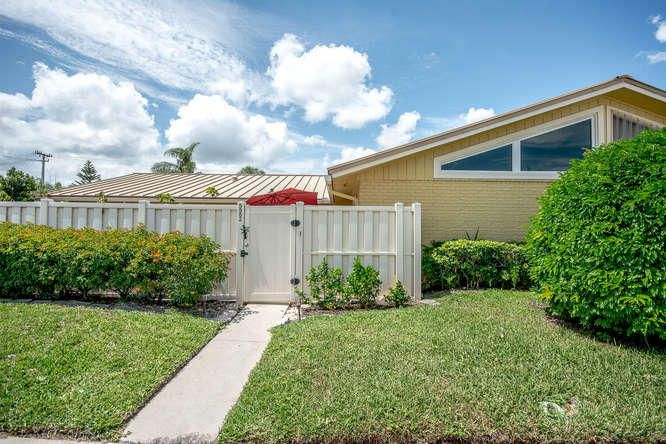 5982 Golden Eagle Circle , Palm Beach Gardens FL 33418 is listed for sale as MLS Listing RX-10431894 33 photos