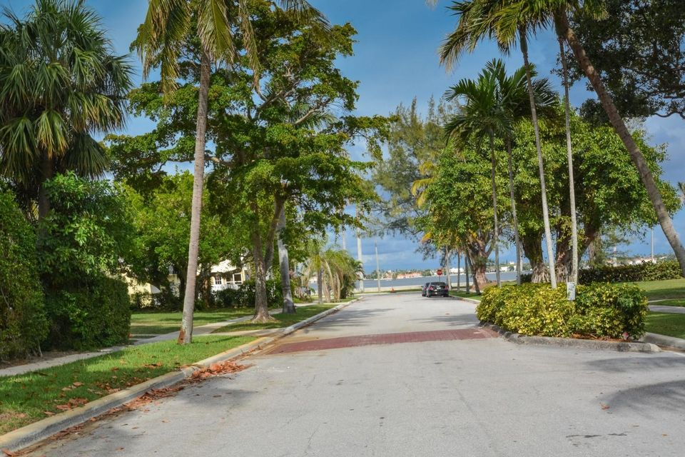 237 Dyer Road West Palm Beach, FL 33405 photo 20