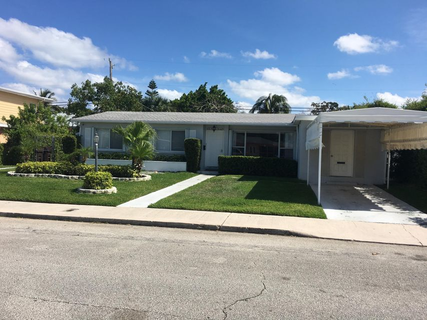 220 Gregory Place  West Palm Beach, FL 33405