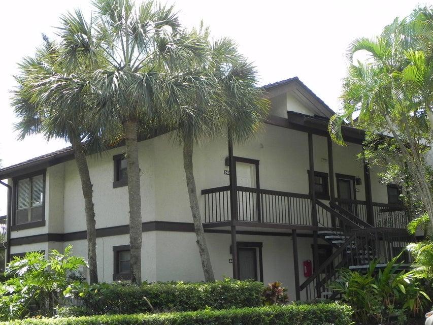 11863 Wimbledon Circle, 540 - Wellington, Florida