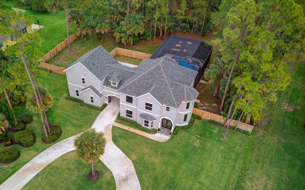 Home for sale in PINEWOOD OF WELLINGTON Wellington Florida