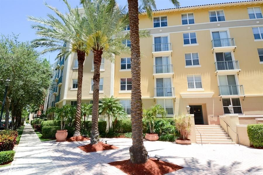 630 S Sapodilla Avenue 110  West Palm Beach, FL 33401