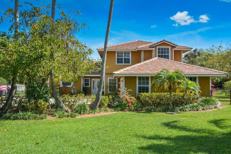 18341 SE Ridgeview Court - Tequesta, Florida