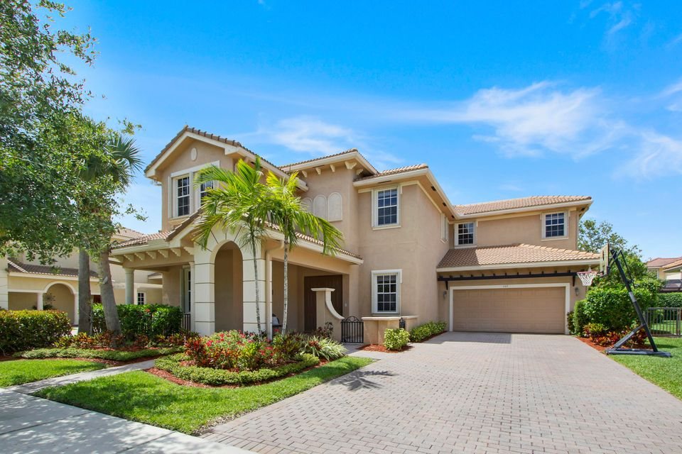 107 Via Azurra  Jupiter FL 33458