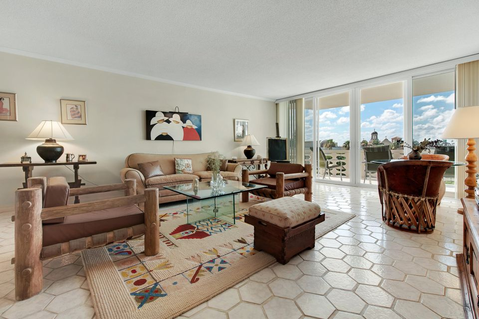 130 Sunrise Avenue 5150 , Palm Beach FL 33480 is listed for sale as MLS Listing RX-10431263 12 photos