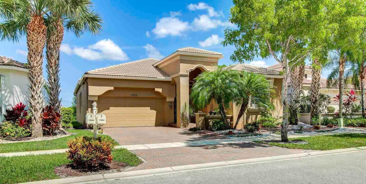 1902 Via Castello  Wellington, FL 33411