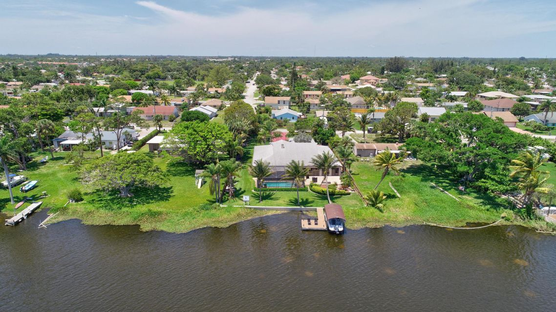 6760 Eastview Drive Lake Worth, FL 33462 small photo 3