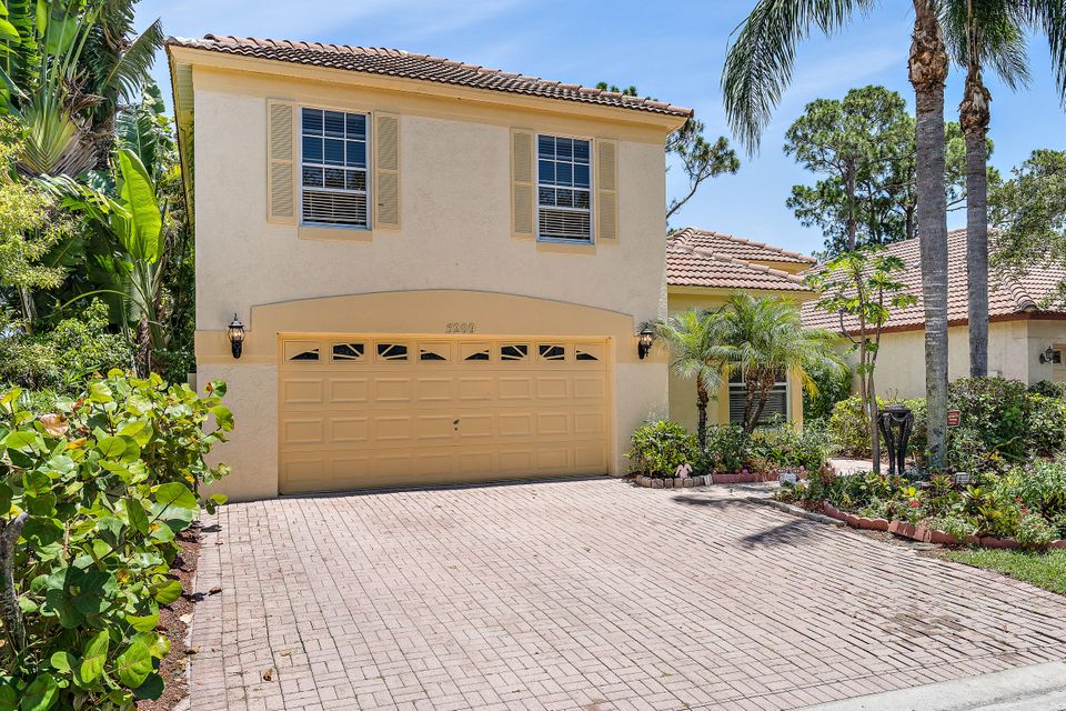 5209 Edenwood Road , Palm Beach Gardens FL 33418 is listed for sale as MLS Listing RX-10431332 25 photos
