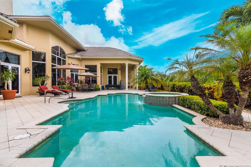 LE RIVAGE REALTY