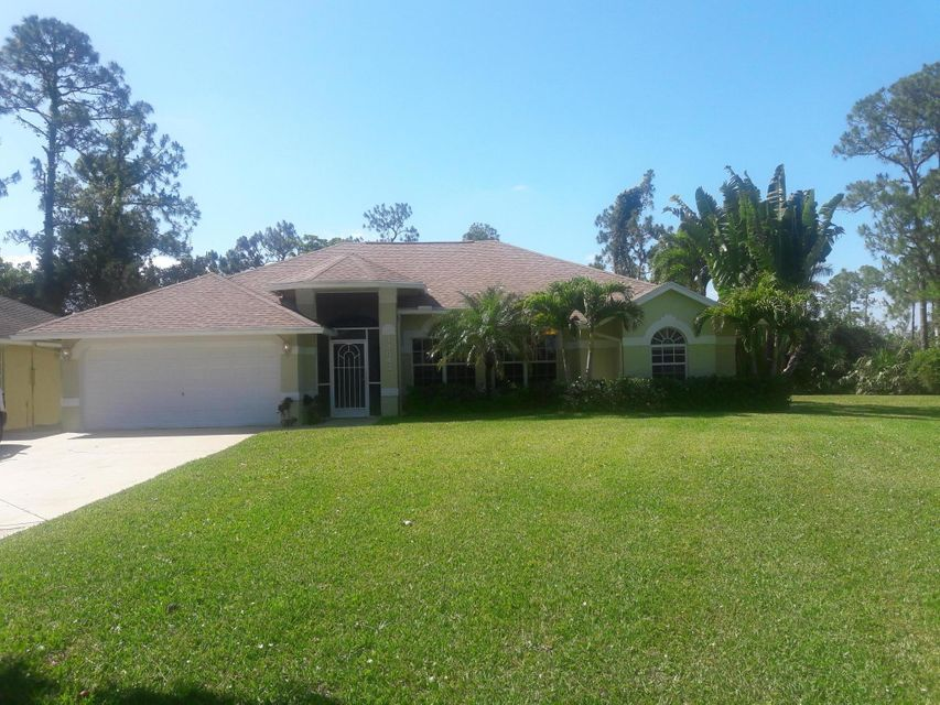 Home for sale in Loxahatchee-Acerage Loxahatchee Florida