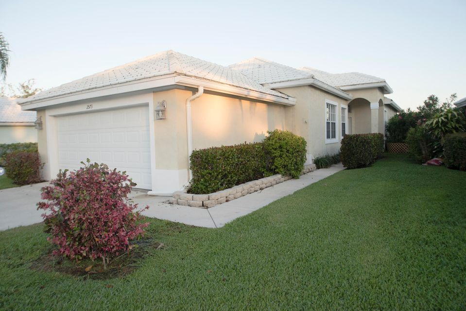 2573 Country Golf Drive, Wellington, Florida 33414, 3 Bedrooms Bedrooms, ,2 BathroomsBathrooms,Single Family,For Rent,Country Golf,1,RX-10427934