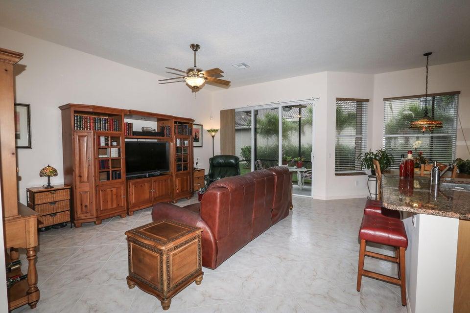7546 Pebble Shores Terrace Lake Worth, FL 33467 photo 15