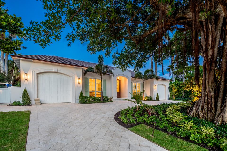 3133  Polo Drive , Gulf Stream FL 33483 is listed for sale as MLS Listing RX-10431600 photo #2
