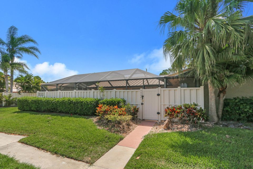 5906 Golden Eagle Circle , Palm Beach Gardens FL 33418 is listed for sale as MLS Listing RX-10432145 19 photos