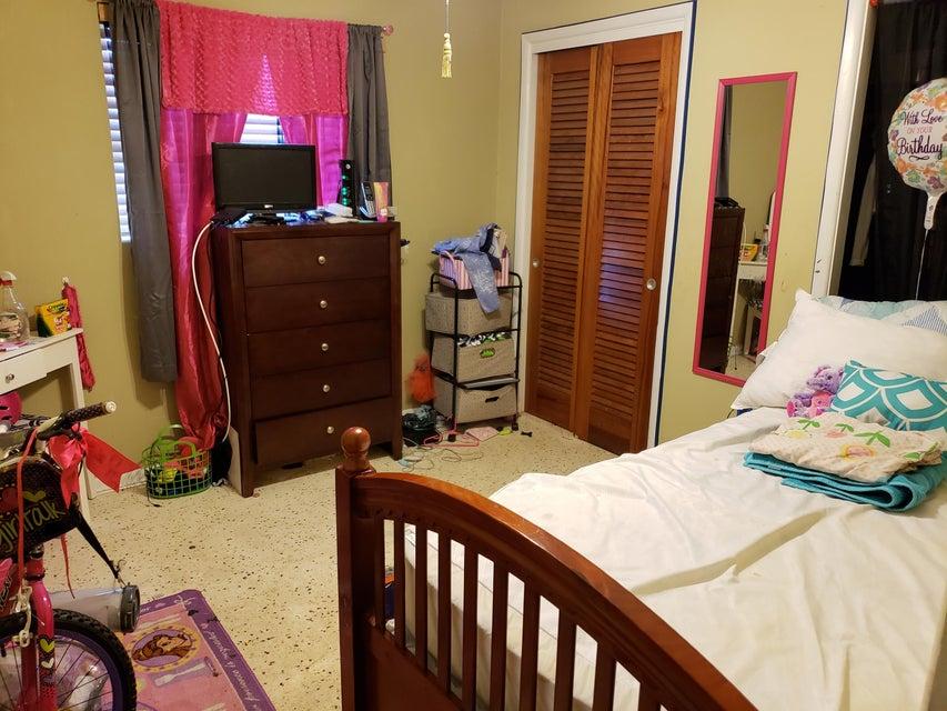 4629 Cole Street West Palm Beach, FL 33417 photo 4