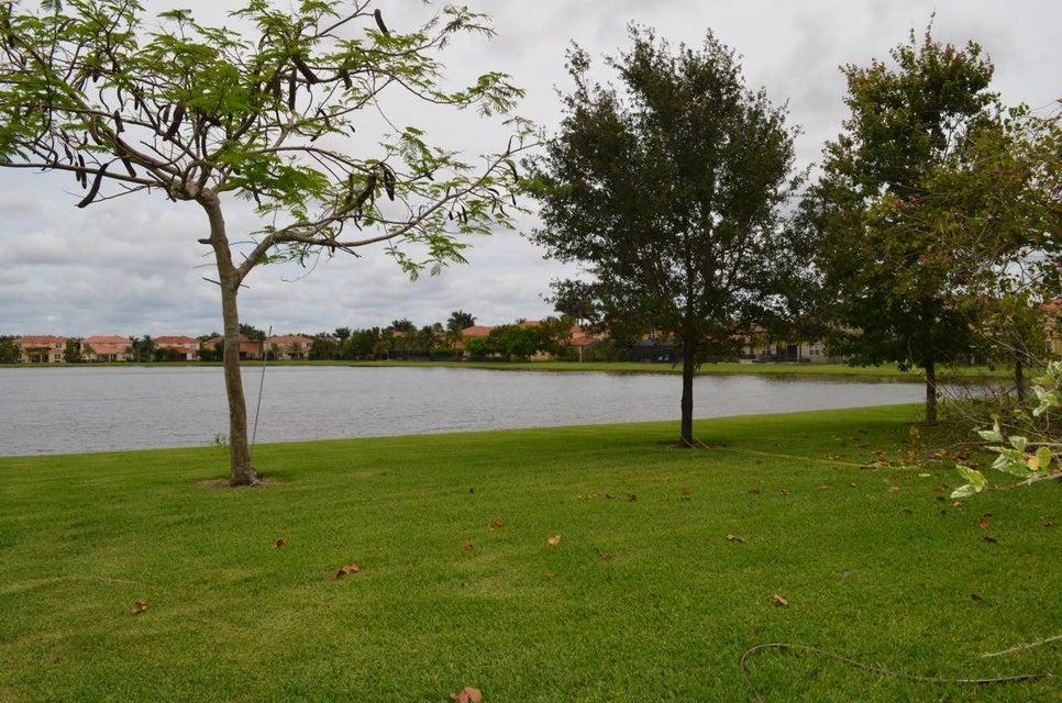 10535 Longleaf Lane  Wellington, FL 33414