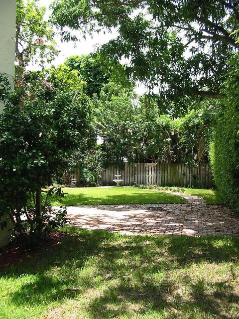333 Greenwood Drive West Palm Beach, FL 33405 photo 13