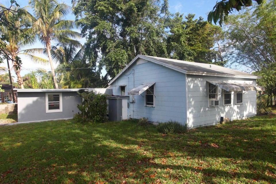 105 E Chandler Road  West Palm Beach, FL 33406