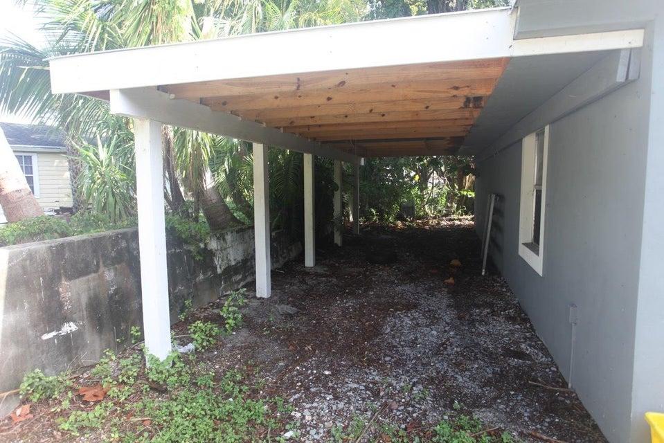 105 E Chandler Road West Palm Beach, FL 33406 photo 18