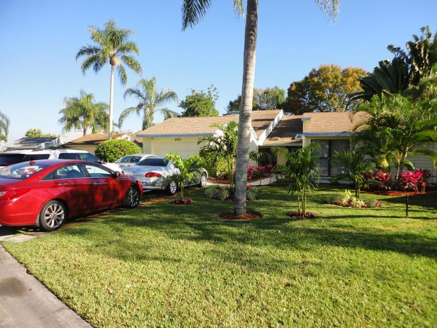 6691 S Pine Court West Palm Beach, FL 33418