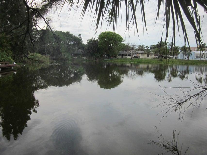 105 E Chandler Road West Palm Beach, FL 33406 photo 4