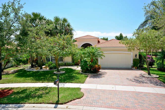 8683 Tierra Lago Cove  Lake Worth, FL 33467