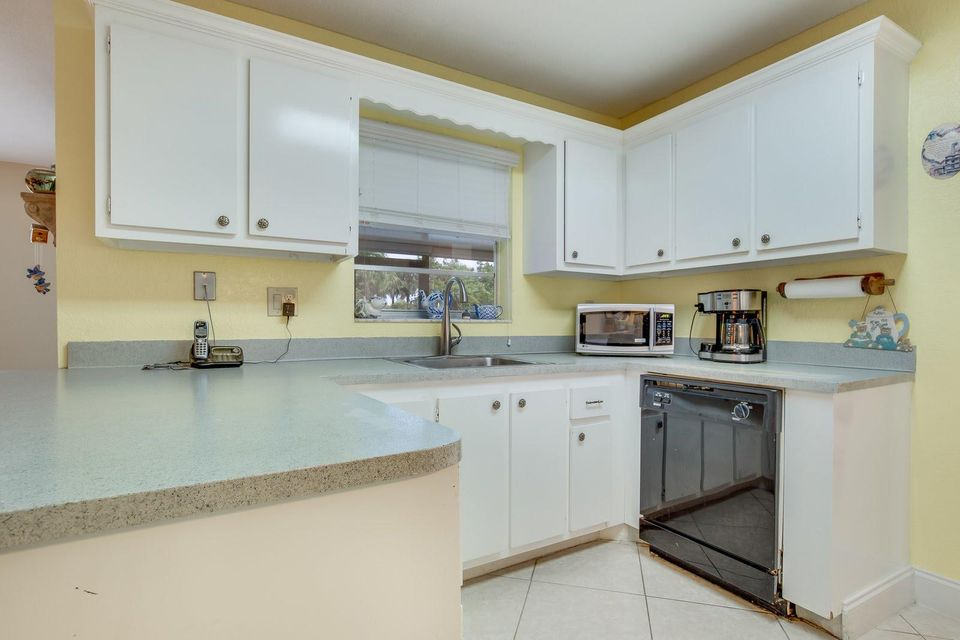 3057 Pebble Beach Drive Lake Worth, FL 33467 photo 7