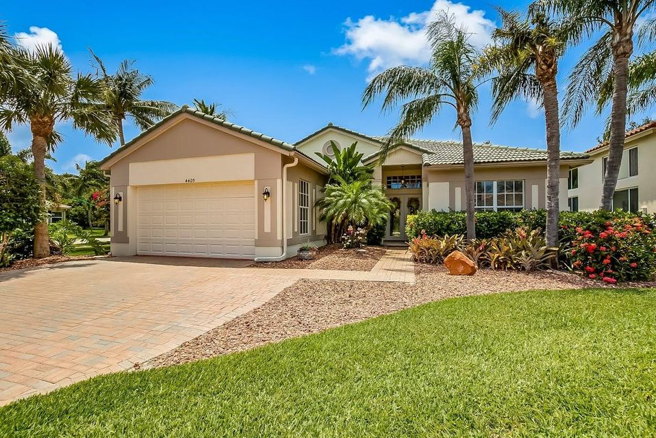 Home for sale in Mariners Cove Wellington Florida