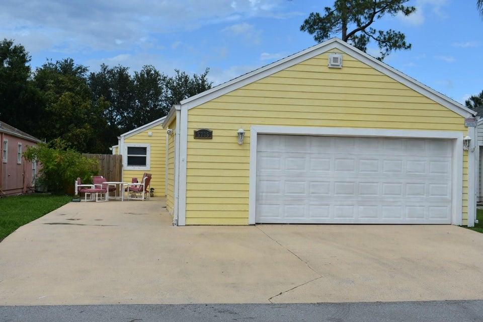 5735 Dewberry Way  West Palm Beach, FL 33415
