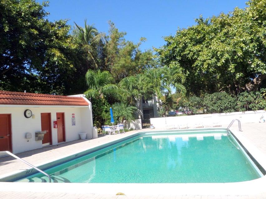 1623 Embassy Drive West Palm Beach, FL 33401 | MLS RX-10432098 ...