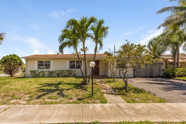 Home for sale in LANTANA HEIGHTS 1 Lantana Florida