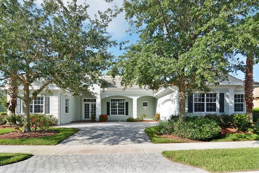 9405  Scarborough Court, Port Saint Lucie, Florida