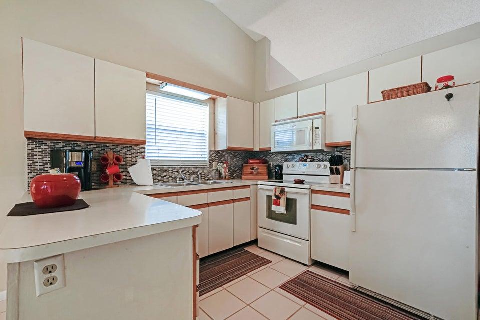 7758 Ashwood Ln Lake Lake Worth, FL 33467 photo 10