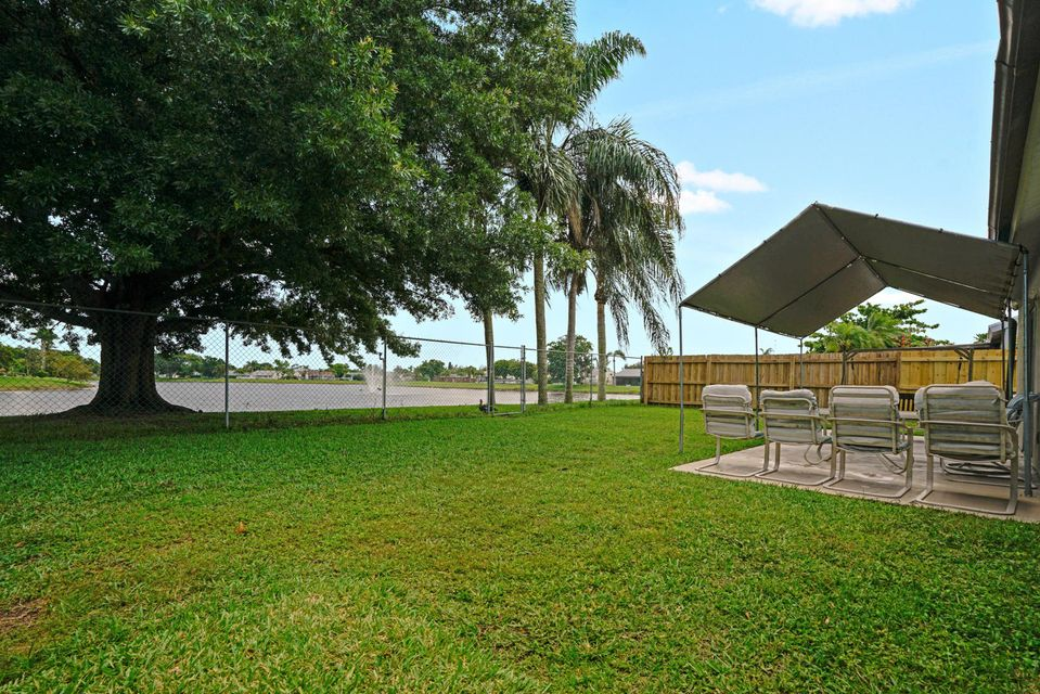 7758 Ashwood Ln Lake Lake Worth, FL 33467 photo 13