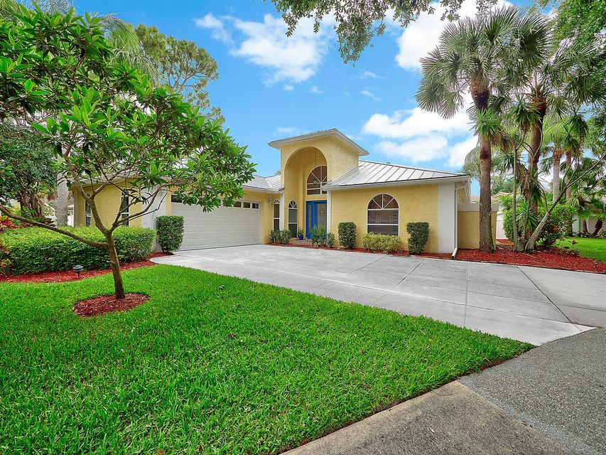 6881 Big Cypress Drive  Jupiter FL 33458