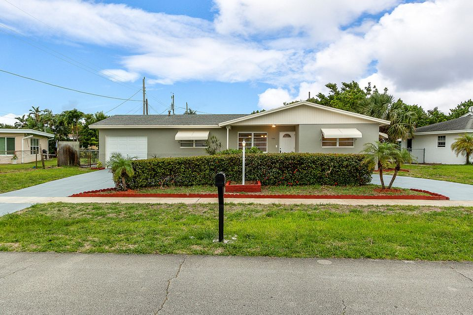 EDGEWATER PARK home on 2465  Palm Road