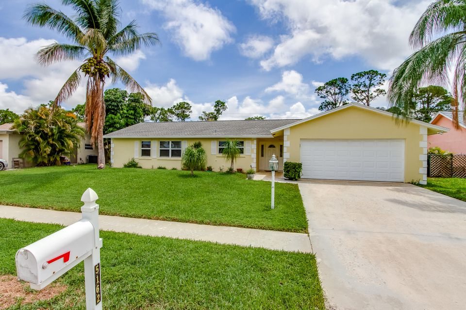 Home for sale in Lakes of Sherbrooke / LAKES OF LANTANA PH 2-A Lake Worth Florida