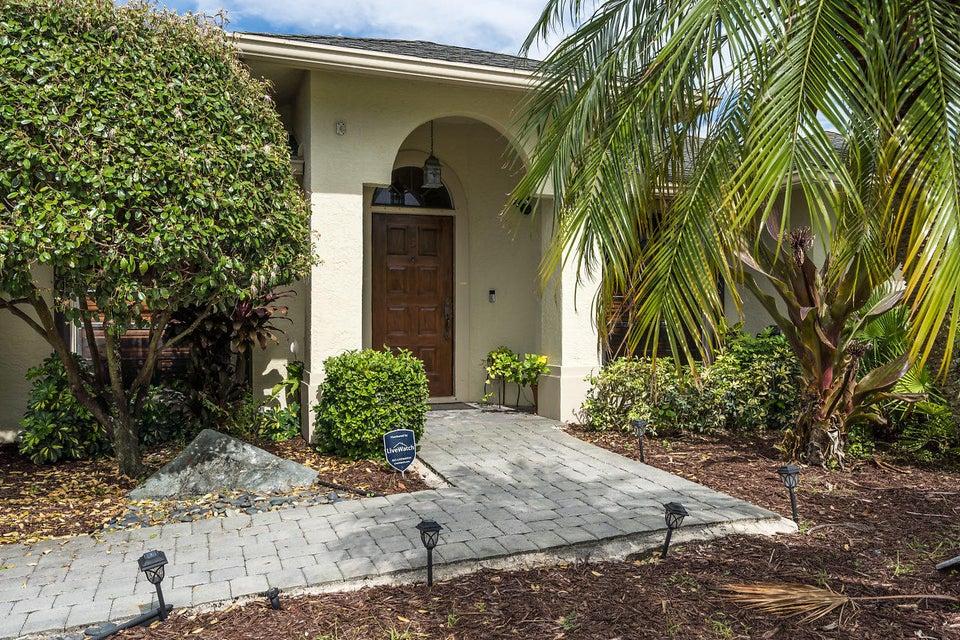 107 Meadow Woode Drive Royal Palm Beach, FL 33411 photo 4
