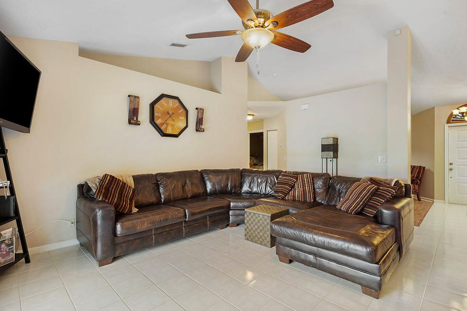 107 Meadow Woode Drive Royal Palm Beach, FL 33411 photo 15